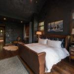Arrowhead- master-suite